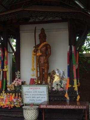 buddha statue mae sot